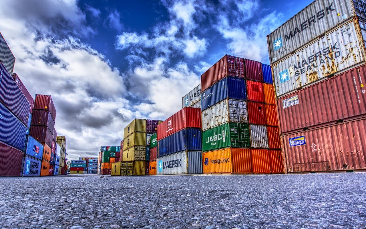 El Comercio internacional  Importar y Exportar